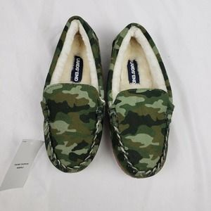 Lands' End Kids Green Camo Print Moccasin Slippers